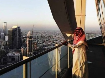 In a move to attract foreign investors and entrepreneurs, Saudi Arabia approves a Green Card-style system to issue residence permits for highly-skilled and wealthy foreign nationals