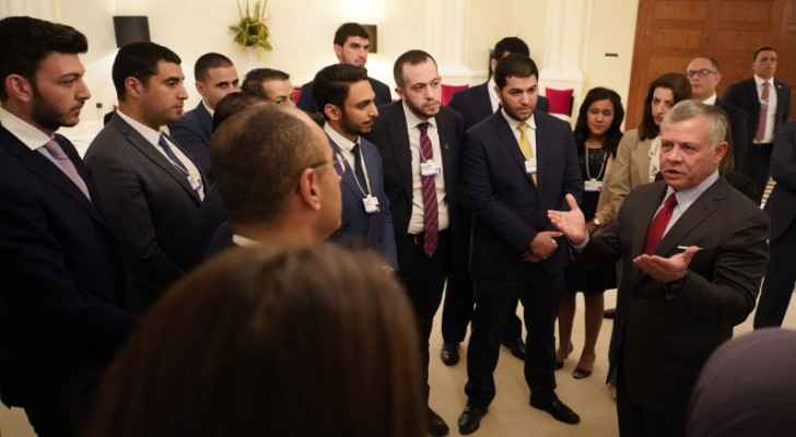 King meets a group of young Jordanian entrepreneurs