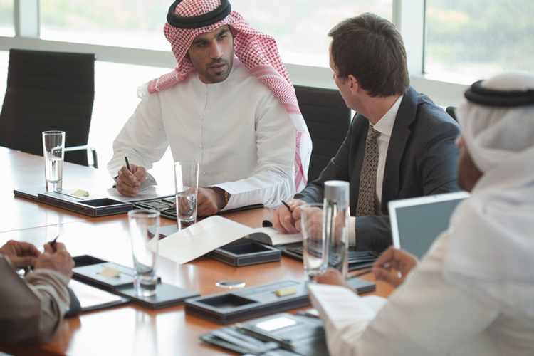 Saudi Arabia promotes e-commerce for small traders
